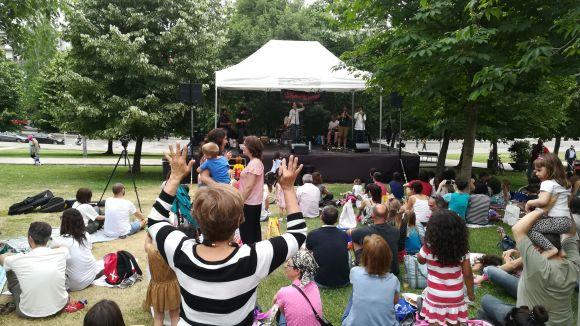El Pícnic Musical reuneix música balcànica i gastronomia als jardins del Monestir