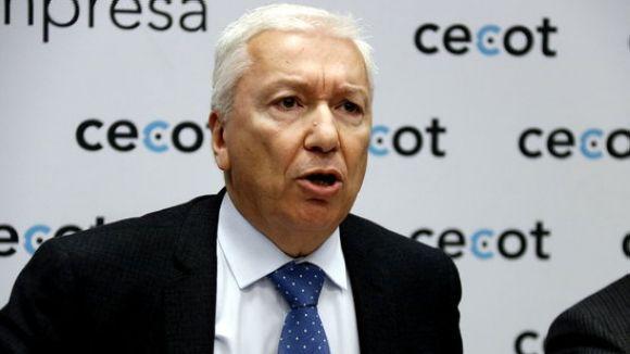 Abad exposa que l'expulsió temporal de Cecot 'vulnera els estatuts de Foment' i 'perjudica' la institució