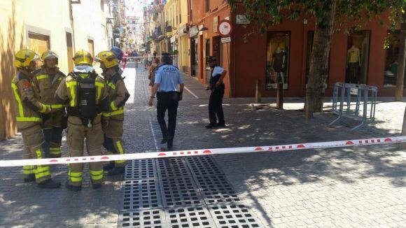 El perímetre de seguretat ha arribat fins al carrer de Santa Maria / Foto: Policia Local