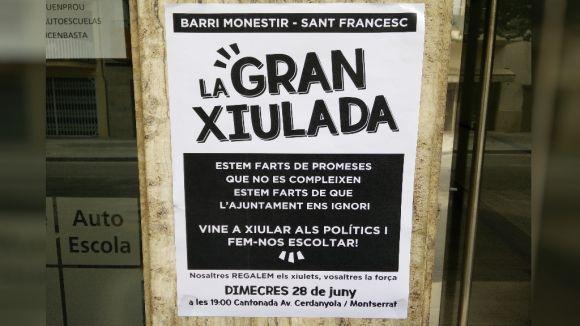 Veïns i entitats de Sant Francesc i Monestir xiularan els polítics al seguici d'inici de Festa Major