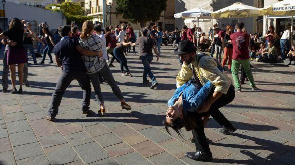 Torna la música Swing a la plaça Can Quitèria / Foto: Premsa Sant Cugat