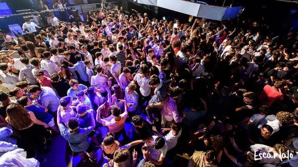 Escándalo Sant Cugat marxa de la discoteca Teatre Sant Cugat-Night Scene