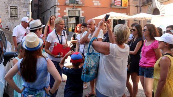El model turístic de Barcelona, a debat a la tertúlia d'estiu del magazín