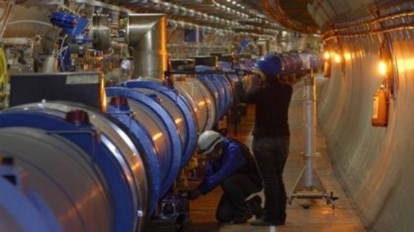 El Pou parla del projecte LHCb que s'experimenta a l'accelerador de partícules del CERN de Suïssa