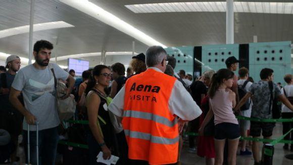 La tertúlia del 'Connectats a l'estiu' posa el focus en la massificació del turisme i la vaga a l'aeroport del Prat