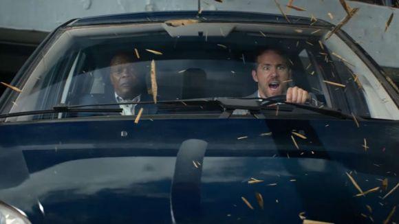 Ryan Reynolds (dreta) i Samuel L. Jackson (dreta) protagonitzen 'El Otro Guardaespaldas'. / Foto: Trailer 'El Otro Guardaespaldas'