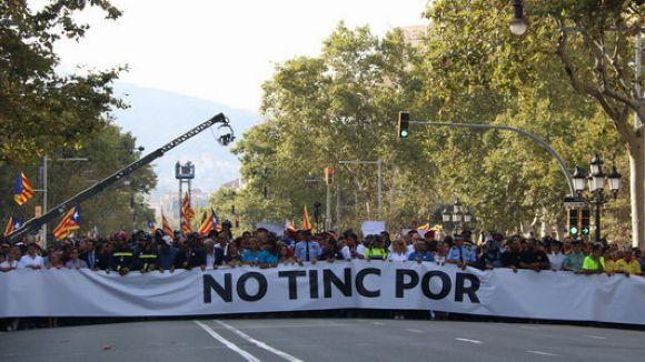 Sant Cugat se suma a la manifestació en rebuig als atemptats