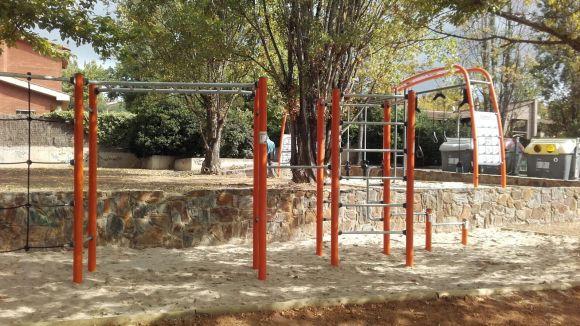 Mira-sol disposa d'un nou espai lúdic juvenil fruit de la lliure disposició del districte