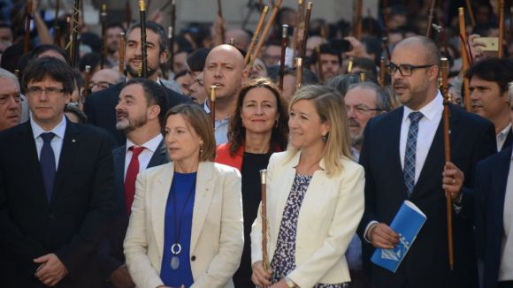 Conesa i 700 alcaldes més mostren la força del seu compromís amb l'1-O