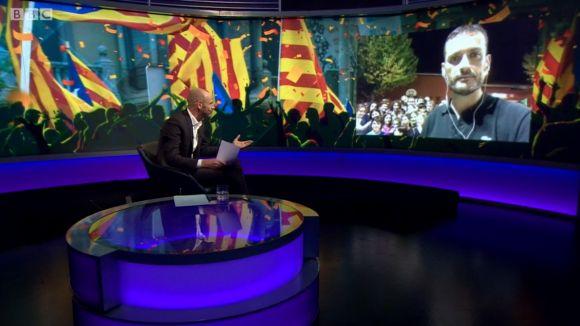 La BBC s'interessa per l'1-O des de l'escola Pins del Vallès