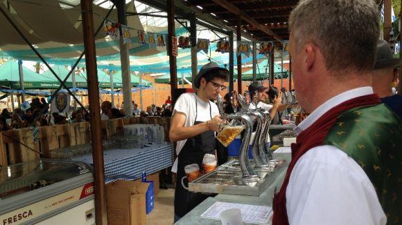 El 5è Oktoberfest Vall d'Or reuneix centenars de veïns en una festa consolidada