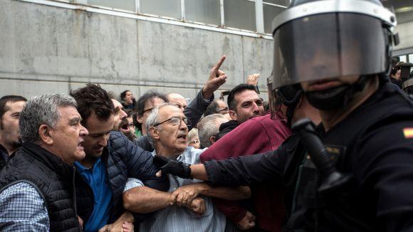 La tertúlia repassa les sensacions dels periodistes durant la jornada / Foto: ACN