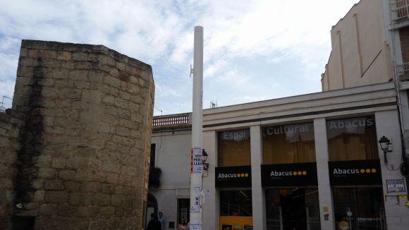 La senyera de la plaça d'Octavià ha estat retirada pel trencament del màstil