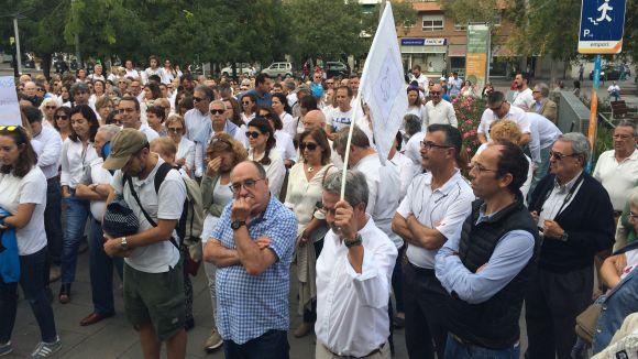 La concentració de Parlem a Sant Cugat aplega unes 200 persones en un clam pel diàleg