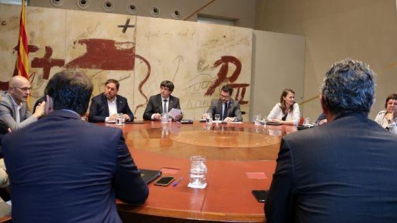 Els grups municipals analitzen l'acord del consell de ministres d'intervenció de la Generalitat