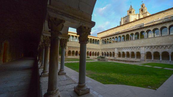 Visita: Impro-claustre al Monestir