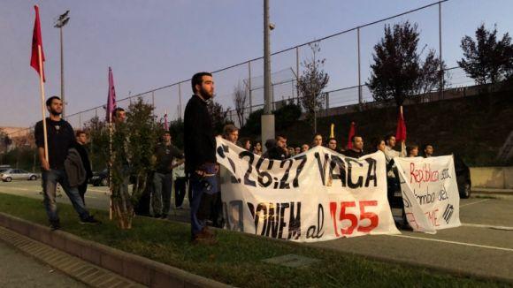 Estudiants de la UAB tallen l'AP7 i la B30 en una manifestació per rebutjar l'apliació del 155