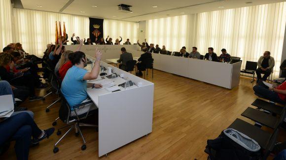 El ple de Sant Cugat rebutja l'aplicació del 155 i insta l'Estat a dialogar com a sortida del conflicte