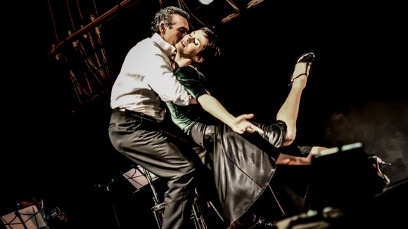 Dansa: 'Tu nombre me sabe a tango'