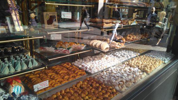 Les pastisseries ja tenen els panellets a punt per a la Castanyada