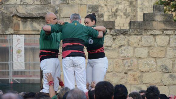 Mireia Ferrés (Gausacs), primera dona en descarregar un castell de 9 en la posició de segona tapada