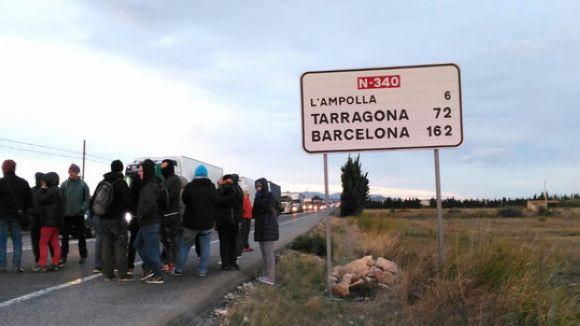 50 membres del CDR de Sant Cugat, a les accions de tall de fronteres a l'Aldea, l'Ampolla i Puigcerdà