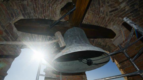 El rellotge del campanar del Monestir torna a sonar a l'hora després de mesos aturat