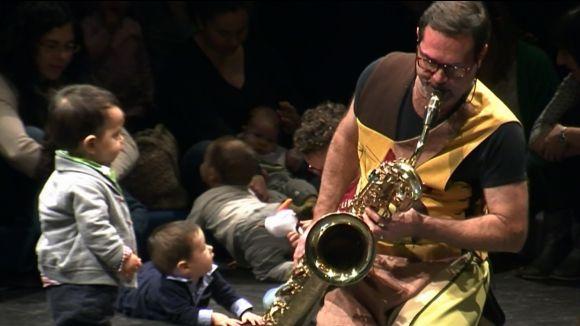 El 'Concert per a nadons' apropa els més petits a les experiències sensorials de la música