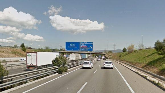Mor un motorista en un accident trànsit a la B30 al seu pas per Sant Cugat