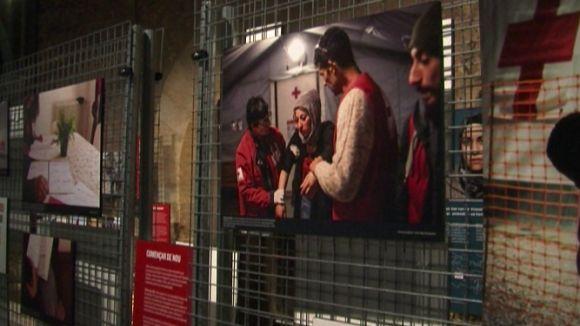 'Protegir la humanitat, acabar amb la indiferència' porta al Museu del Monestir el camí dels refugiats