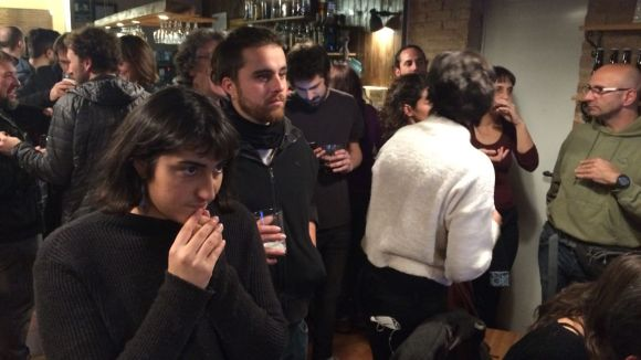 Els simpatitzants i militants de la CUP han viscut la jornada electoral a Cal Temerari