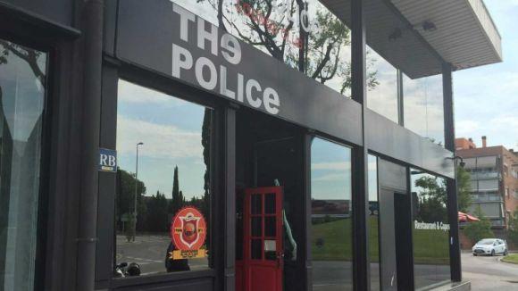 Denunciat el The Police per fer fora un santcugatenc per portar un llaç groc