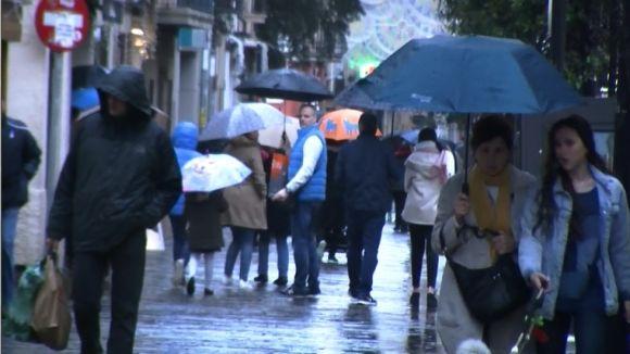 La pluja aigualeix el tret de sortida a les rebaixes d'hivern a Sant Cugat