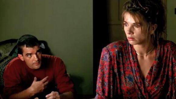 Antonio Banderas i Victòria Abril al film '¡Átame!' /Foto:YouTube