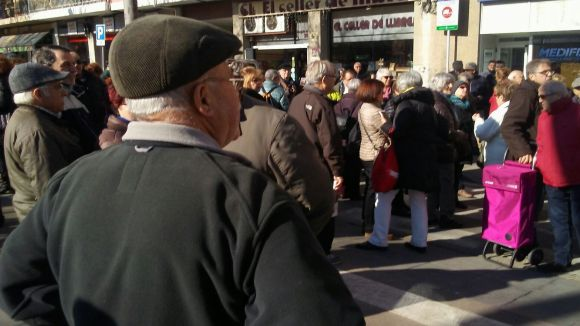 Pensionistes es concentren a Sant Cugat per fer sentir la seva veu i reclamar millors condicions