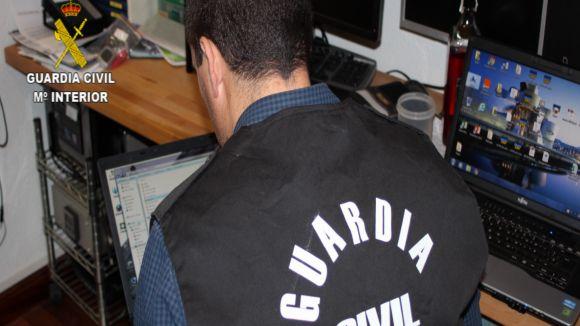 La Guàrdia Civil deté un santcugatenc per possessió i distribució de pornografia infantil