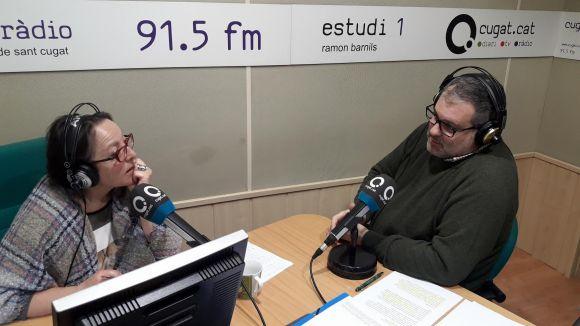 La presentadora Carme Reverte amb l'historiador de Valldoreix Juanjo Cortés