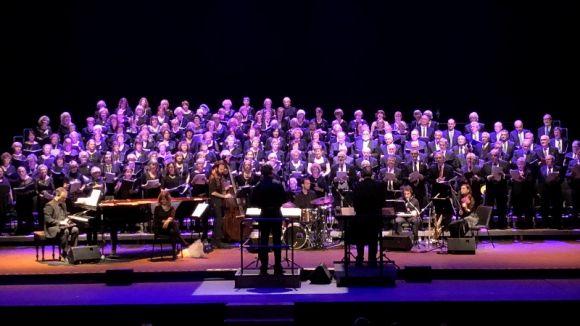 El Cor Participatiu de la Gent Gran transporta el públic del Teatre-Auditori al 'music hall' i al cabaret