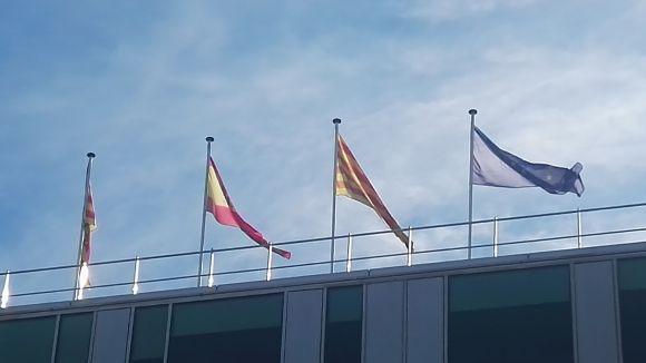 Imatge d'arxiu de les banderes de l'ajuntament de Sant Cugat / Foto: Cugat.cat