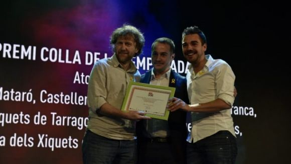 Alex Castellarnau i Biel Samsó van recollir el premi / Foto: Revista Castells
