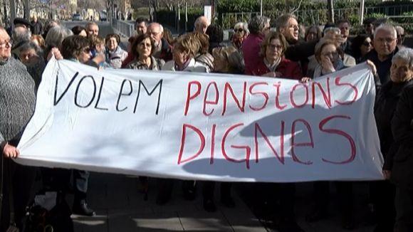 La Plataforma de Pensionistes de Sant Cugat s'ha concentrat, recentment, per reclamar millorar la seva situació