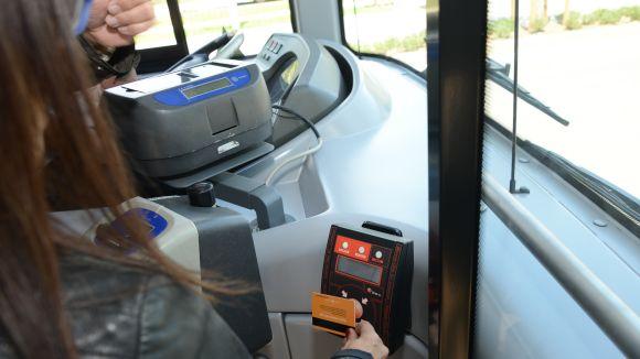 La CUP-PC vol que s'estudiï la creació de 'parades intermèdies a demanda' per a dones al servei de bus