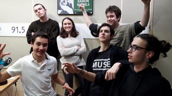 L'equip del 'Núvol' amb els seus convidats, el grup Dirty Mannequin