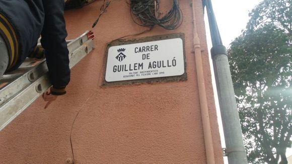 Arran canvia de nom el carrer de Cristòfor Colom pel de Guillem Agulló
