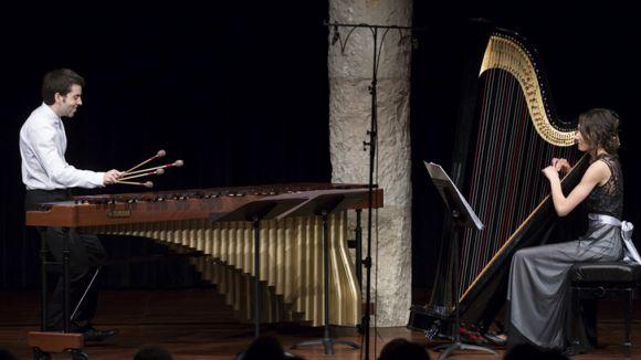 El duet està format per l'arpista Esther Pinyol i el percussionista Ferran Carceller / Foto: Ajuntament