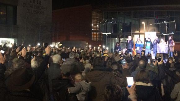 La plaça de la Vila s'omple per demanar 'l'alliberament immediat dels presos polítics' quatre mesos després