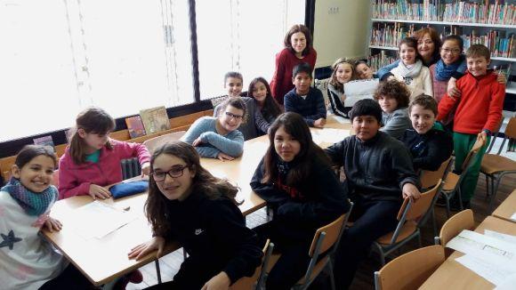 Els alumnes de l'escola Joan Maragall que han fet de delegats a la tercera Marató de l'Estalgia