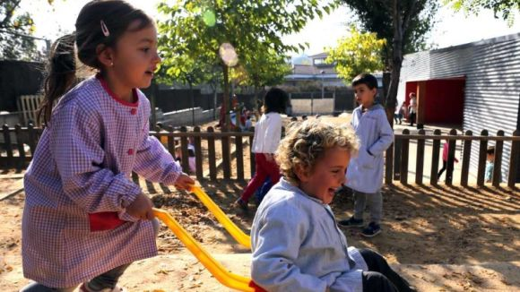 La preinscripció escolar s'endarrereix gairebé un mes i començarà la primera quinzena d'abril