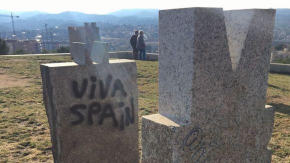 L'ANC local rebutja les pintades independentistes i unionistes aparegudes a Sant Cugat