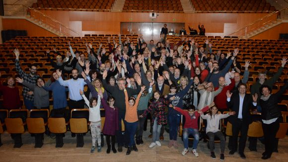 'La vida en un tren', una obra 100% santcugatenca i amb prop de 100 actors